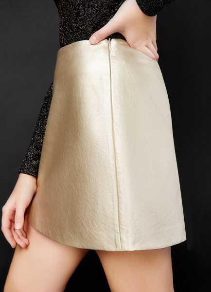 Фото Блестящая юбка из искусственной кожи