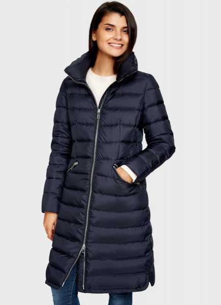 Фото Пуховое пальто с высоким воротником