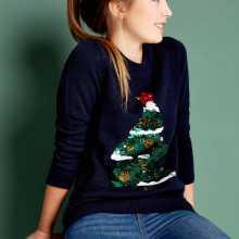 Фото Джемпер с рождественской вышивкой